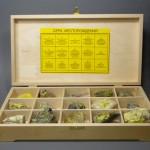 Коллекция «Сера. Месторождения» (15 образцов) в деревянной коробке
