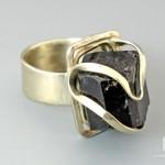 Кольцо с шерлом (черный турмалин)