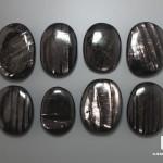 Гиперстен, полированная галька 3,5-4,5 см