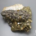 Арсенопирит с пиритом, мусковитом и кварцем, 7,8х7,6х5,7 см
